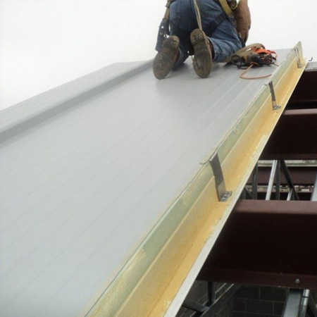 Metal sandwich panels installation