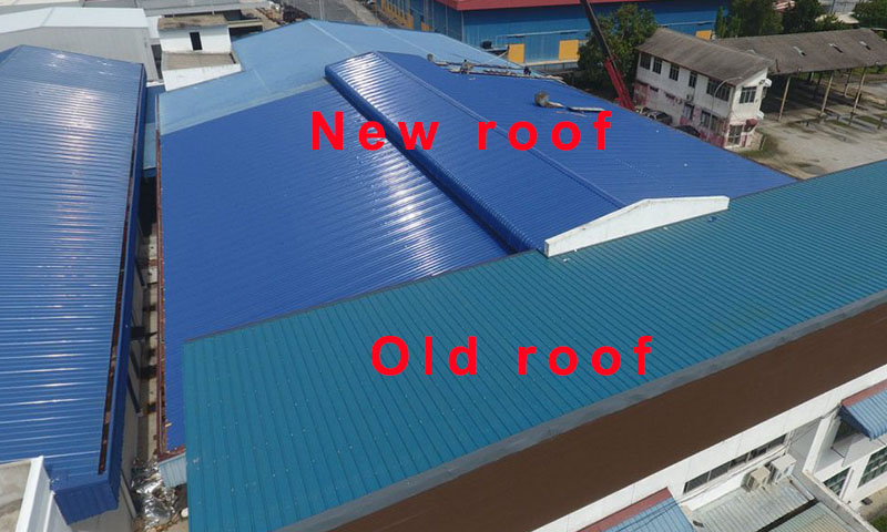 Insulated roof panels for roof renovation