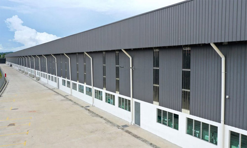 Wall insulated panels for factory building